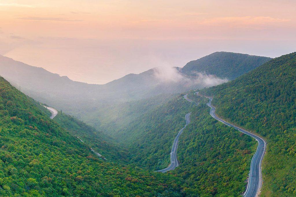 Hải Vân Pass named among world's most beautiful drives